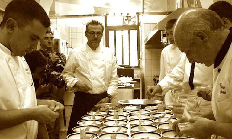 Anche Massimo Bottura è stato tra i mattatori delle Strade della Mozzarella, in questo caso nella primavera 2010