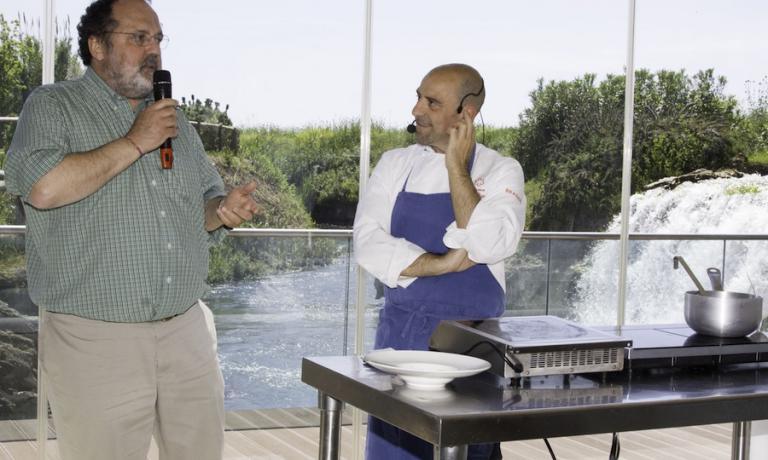 Durante l'edizione 2012, ebbi l'onore di presentare e dialogare con Frank Rizzuti, chef lucano di Potenza la cui scomparsa, nel febbraio di due anni dopo, tanto ha danneggiato la ristorazione lucana di qualità. Rizzuti era profeta in patria e avrebbe fatto crescere tante giovani realtà regionali
