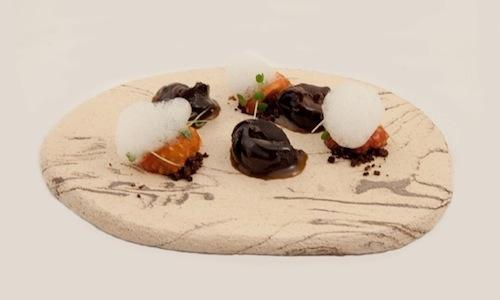 Con questo piatto a base di lumache (a tutta birra...), Christian Milone si aggiudic� nel 2012 il Premio Birra Moretti Gran Cru. Questo ingrediente, ingiustamente sottovalutato nei menu e sulle tavole del nostro paese, � sempre stato simbolo di festa per la famiglia dello chef piemontese