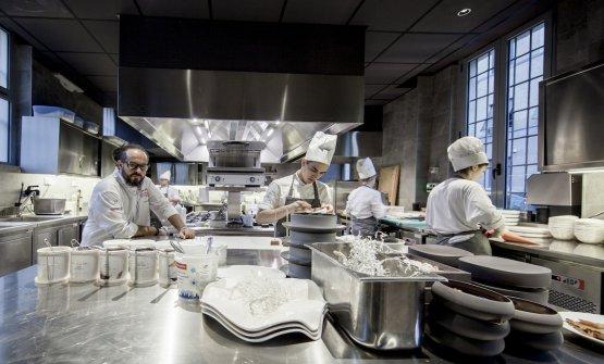 Marcello Trentini nella sua nuova cucina, 65 mq, il doppio della precedente