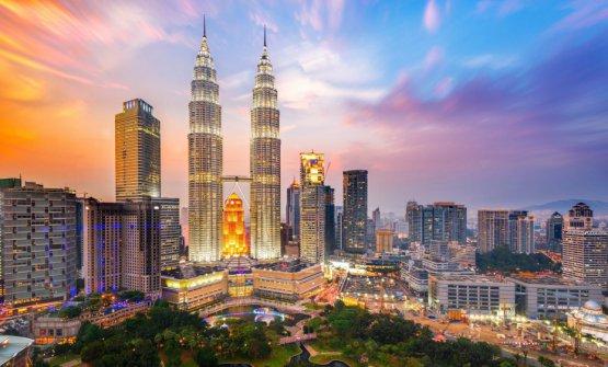 Veduta di Kuala Lumpur, capitale della Malaysia. Svettano le famoseTorri Petronas, alte 451 metri