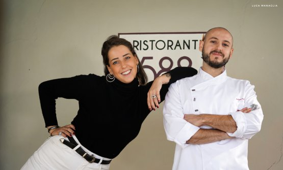 Lo chef assieme a Giulia Franco, che dirige relais e ristorante