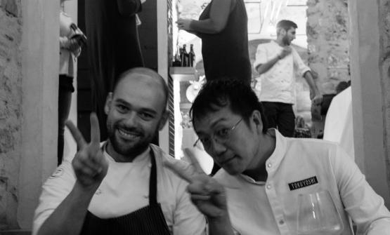 Marco Ducoli, chef dell'Osteria del Cantinì dal 2010, insieme a Yoji Tokuyoshi, già sous chef di Massimo Bottura e oggi alla guida del suo ristorante milanese