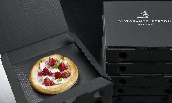 L'abbiamo già commentata,Pizza meringa, lampone e fragoline di bosco(foto Marco Scarpa)