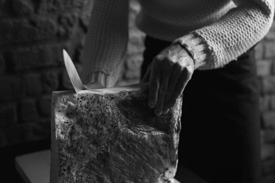 Davide Oldani, in questa foto di Marco Vairoli, è Chef Ambassador di Expo: «È importante riscoprire da dove veniamo, e veniamo dal prodotto puro. il prodotto è puro solo se il contadino ha lavorato bene, e se il contadino lavora bene l'intero sistema è integro: per me questo è il senso profondo dello slogan di Expo Milano 2015, nutrire il pianeta»