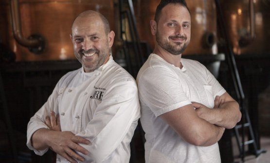 Lo chef Leonardo Vescera e il bartender Marco Valerio La Grasta del ristorante Il Capriccio di Vieste (Fg)