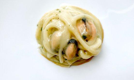 Spaghettone Cavalieri, cozze e pecorino Stella di Cecca