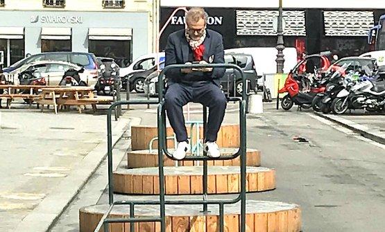 Massimo Bottura, un momento di relax inPlace de la Madeleine a Parigi