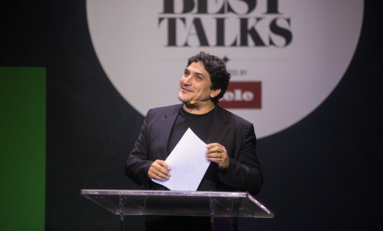 Mauro Colagrecoon the stage of the50BestTalks�