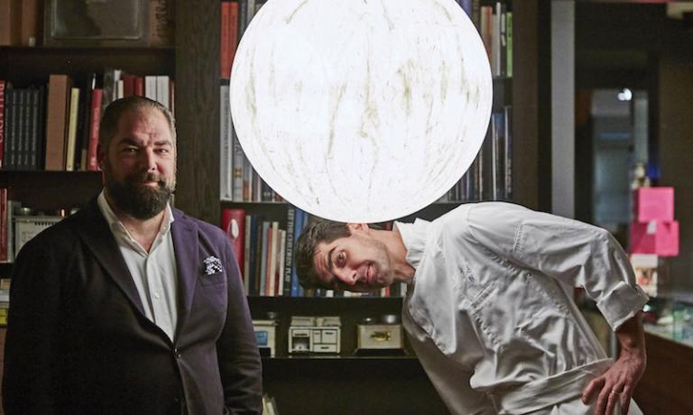 Massimiliano Alajmo con il fratello Raffaele. Lo chef de Le Calandre è tra i 20 finalisti del premio indetto dal Basque Culinary Center tra i cuochi di tutto il mondo che portano avanti progetti per la società e il fuuro