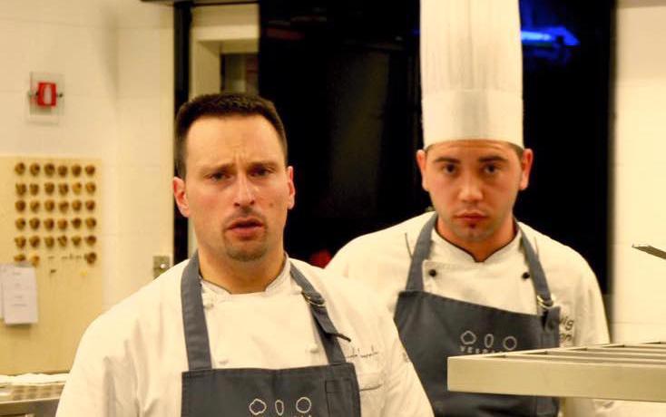 Emanuele Mazzella (a sinistra), con il pasticciere Luigi Maione