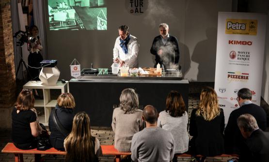 Mauro Bochicchio (a destra) con Bruno Verjus, ex giornalista ora chef di Table a Parigi. Spetterà a lui aprire la quarta edizione di Cultural a Parigi, alle ore 11 di sabato 25