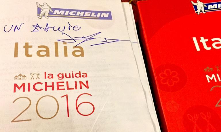 La copia della Guida Michelin Italia 2016 di Paolo
