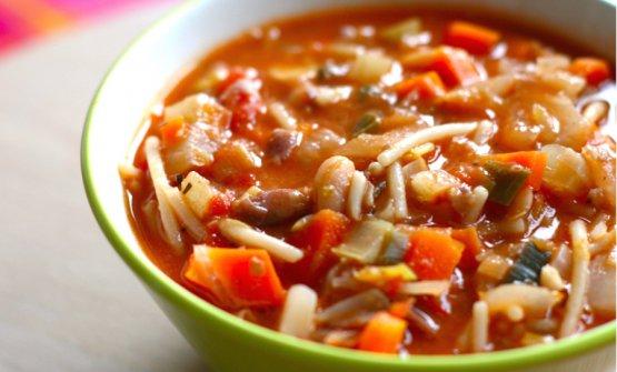 Il minestrone, simbolo di tanta improvvisazione italiana