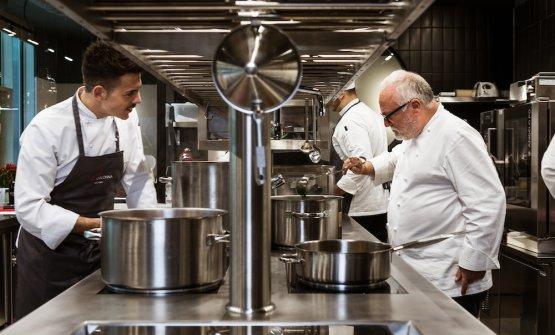 Antonello Colonna al lavoro con il suo chef al nuo
