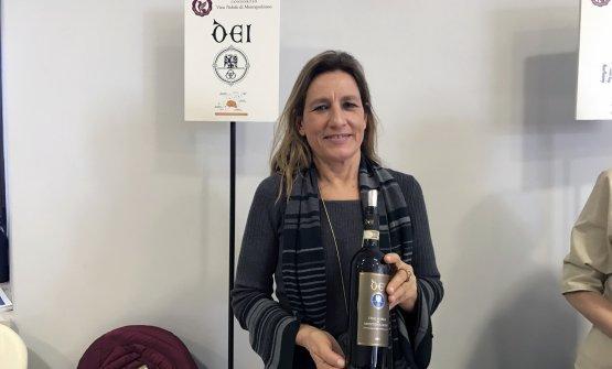 Caterina Dei mostra il suo Nobile di Montepulciano, uno dei migliori nell'annata 2016