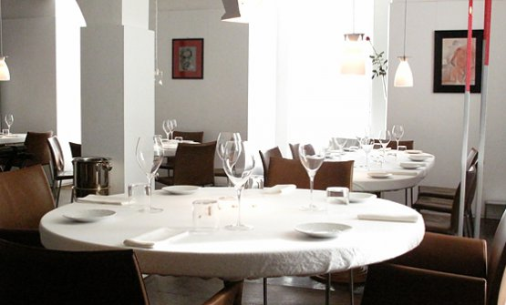 Una foto della sala del ristorante Reale Casadonna