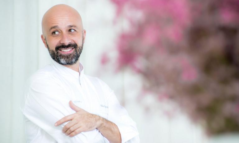 Niko Romito, chef e patron del Reale Casadonna, la straordinaria realtà dai mille volti di Castel di Sangro in provincia di L'Aquila in Abruzzo