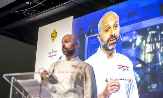 Niko Romito sul palco di Identità Milano, nel mar