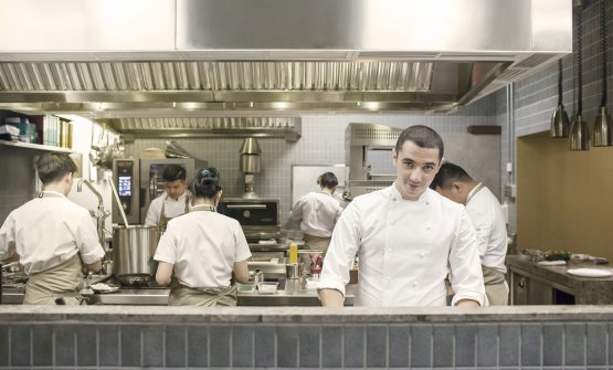 Julien Royer, francese classe 1982, due stelle Michelin a Singapore ottenute con il suo Odette