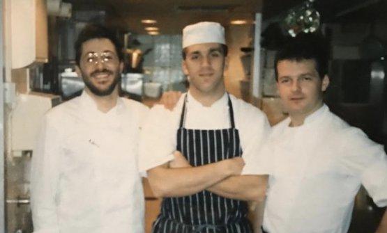 Davide Oldani tra Michel Roux junior, con barba e occhiali, e Mark Prescott, chef della Gavroche, in forza anche da Gualtiero Marchesi in via Bonvesin de la Riva a Milano per fare un'esperienza creativa italiana