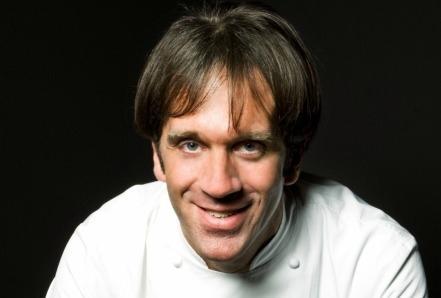 Ogni settimana su Gente troverete uno speciale dedicato allo chef ospite dei giorni successivi a Identità Expo: nelle pagine del numero ora in edicola si parla quindi di Davide Oldani, che inizierà domani, mercoledì 10 giugno, a cucinare nel nostro ristorante. Qui presentiamo il suo menu