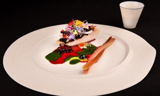 Scorfano rosso mediterraneo, salsa aiïoli nera, rabarbaro, sedano e fiori di montagna: il piatto che ha dato la vittoria ad Antonio Buono