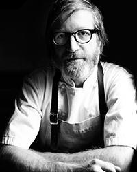 Tra i relatori c'è Daniel Burns, chef di Luksus, 1 stella Michelin da pochi giorni: è lo strano caso di un cuoco canadese che fa cucina nordica a Brooklyn