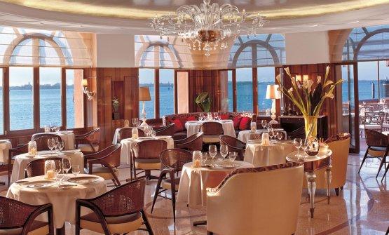L'hotel contiene il ristorante Oro, chef Davide Bisetto, una stella Michelin (leggi la scheda nella Guida di Identità)