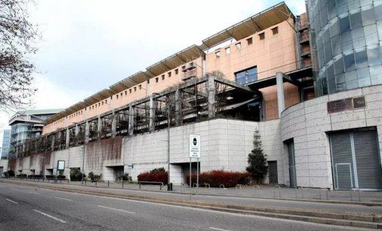 I padiglioni uno e due della Fiera di Milano (ingresso via Teodorico), che fra 10 giorni ospiteranno l'ospedale di emergenza per pazienti Covid-19