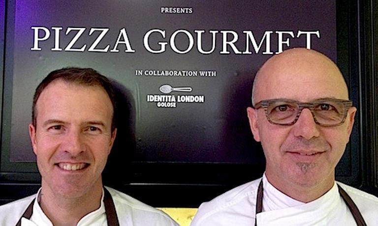 I due protagonsiti di Identità Pizza da Harrods a Londra: a sinistra Simone Padoan, a destra Franco Pepe. Le loro pizze, tre a testa, profumeranno fino a sabato 31 otobre la pizzeria dell'incredibile grande magazzino della capitale inglese
