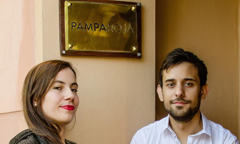 Flo e Mariano Braga, moglie e marito, titolari del ristorante Pampa Roja a Santa Rosa, capoluogo della provincia patagonica de La Pampa