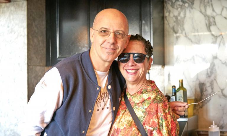 Foto ricordo per Franco Pepe e Nancy Silverton all'interno di Chi spacca, una delle quattro facce dell'universo Silverton. Tutte le foto sono di Luciano Furia
