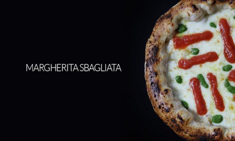 Margherita sbagliata, the emblem-dish byFranco Pepe, master pizzaiolo from Caiazzo (Caserta)