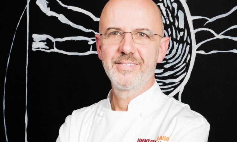 Franco Pepe, uno dei più grandi interpreti della pizza in tutto il mondo, sarà un partner cruciale per l'offerta gastronomica a pranzo dell'Hub di Identità Golose Milano