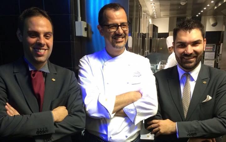 Da sinistra, Ilario Perrot, Antonio Guida e Alberto Tasinato:Restaurant Manager, Chef eSommelier del ristorante Seta del Mandarin Oriental Hotel di Milano