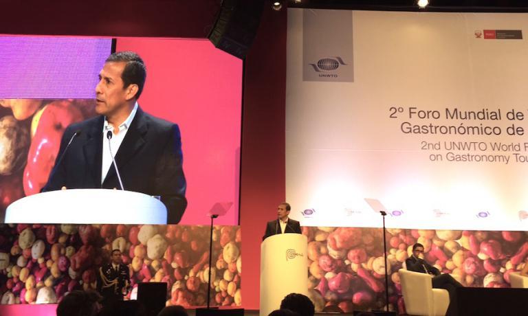 Ollanta Humala, presidente della repubblica del Perù in scadenza di mandato, mentre inaugura a Lima il forum mondiale sul turismo gastronomico