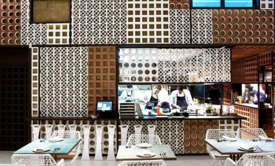 La cucina vista dalla sala