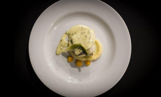 Tamburello di baccalà, radici e pil pilal tartufodi Sironi