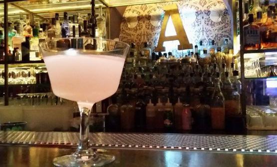 Pink Daiquiri:rum cubano, succo di lime, sciroppo di polpelmo rosa, peychaud's bitter