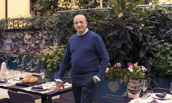 Pino Cuttaia ai tavoli del suo nuovo Uovo di Seppia Milano all'interno dell'Ariosto Social Club