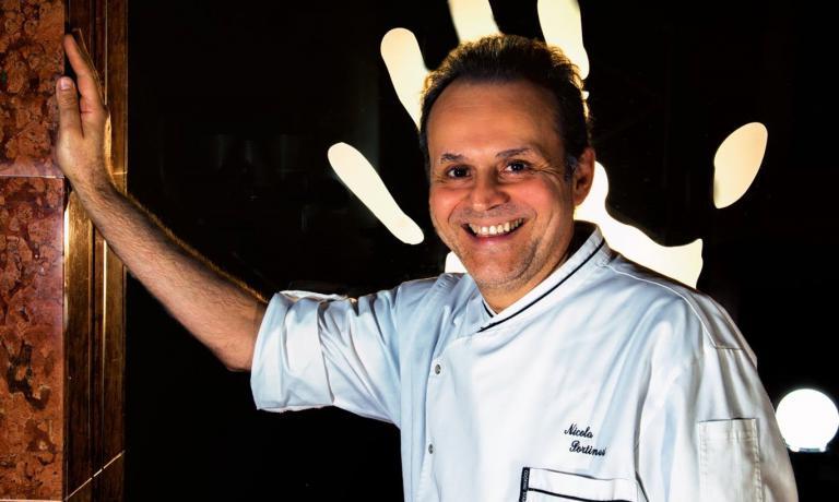 Nicola Portinari è il cuoco del ristorante di fam