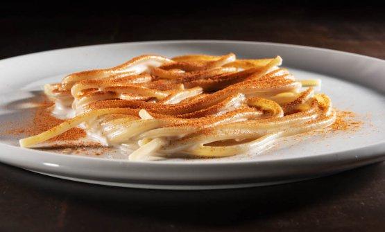 Pasta, aglio, grasso rancido e peperoncino