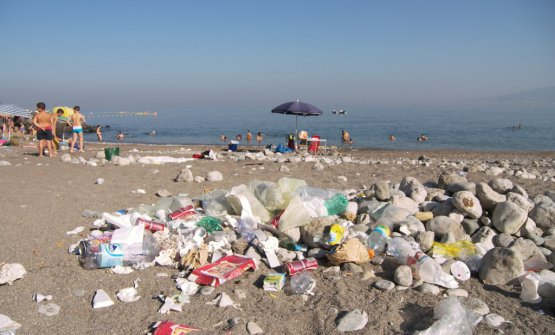 Aliberti è molto impegnato nella lotta per l'ambiente e lasostenibilità, anche in cucina. Contro immagini come questa