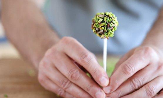 Una pralina al pistacchio diVincente Delicacies