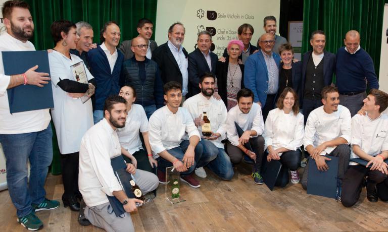 Giuria e finalisti dell'edizione 2015(foto Birra Moretti)