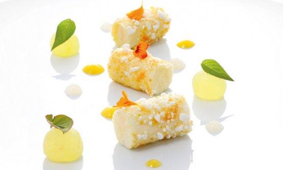 Raggio di sole:bouchet fondant al lime, biglia di ananas impregnata alla vaniglia di Tahiti