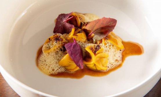 Ravioli, manzo, cacao e parmigiano