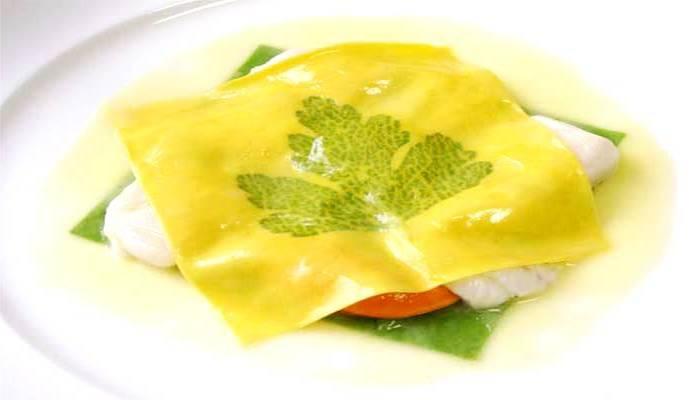 Il celebre Raviolo apertomarchesiano, praticamente una scomposizione tra raviolo e lasagna