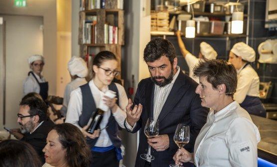 Riccardo Pasqua con Viviana Varese alla presentazione dei progetti dell'azienda, di proprietà della famiglia Pasqua